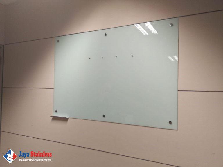 Keterangan : Glassboard Magnet