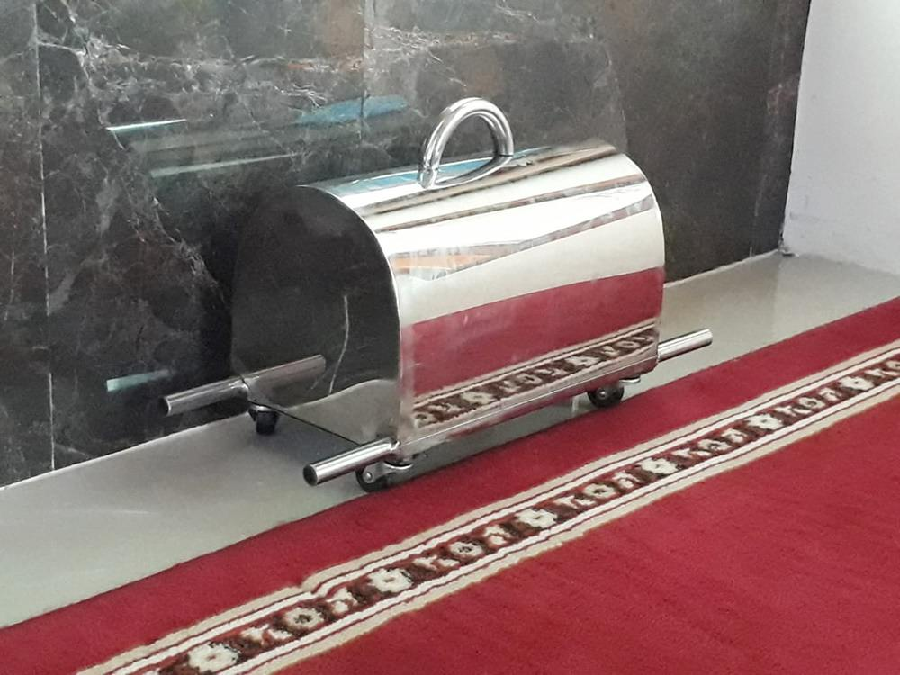 Kotak Infaq stianless dengan roda / kotak infaq stainless model keranda