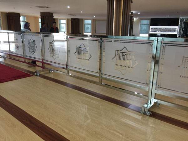 Penyekat Shaf Sholat – Pembatas Masjid – Pembatas Mushola Gedung KPK