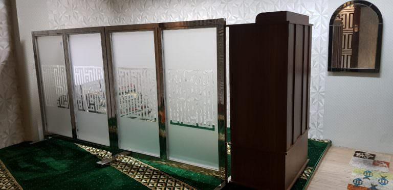 Pembatas Masjid / Pembatas shaf sholat Mushola Gedung Arcadia Furniture